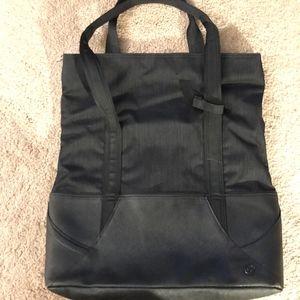 Black Lululemon bag